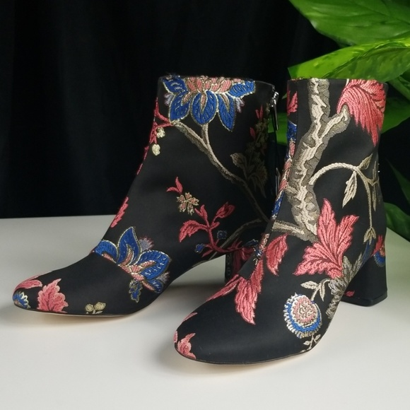 Zara Shoes - 🌷HOST PICK🌷Zara Floral Embroidered Heeled Bootie